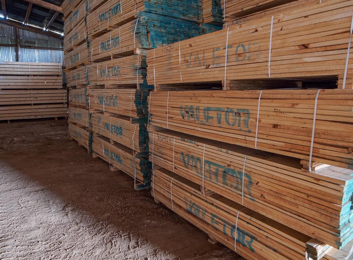 Tablas de madera de pino